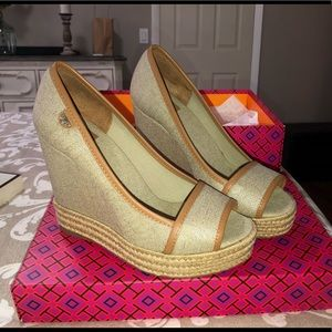 Tory Burch wedge canvas espadrille size 6.5